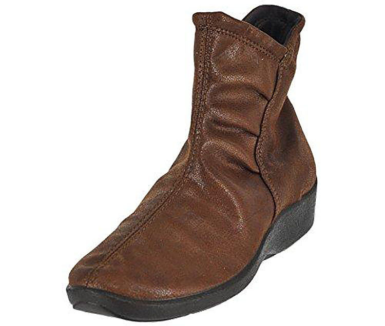 L19 Boot Brown Suede